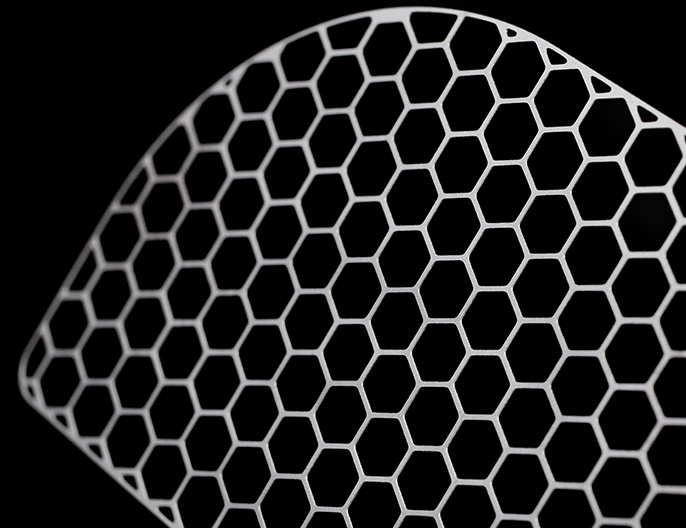Anoden- und Kathoden-Stromabnehmernetze aus Titan her